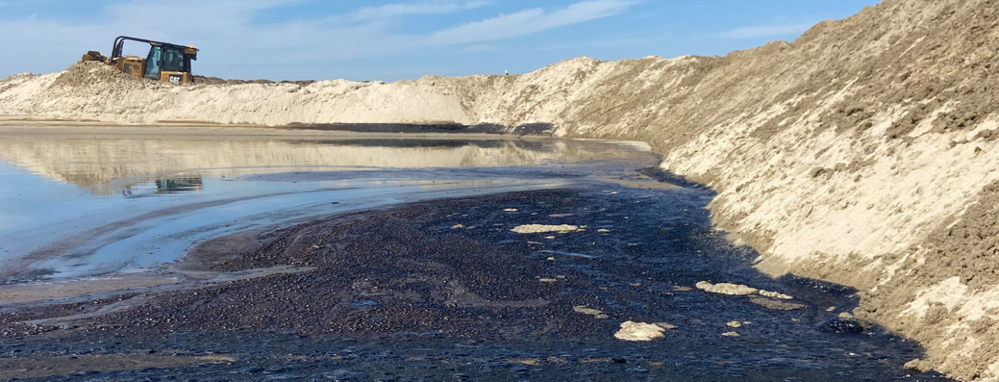 Major Oil Spill Off Orange County Triggers Ecological and Recreational Disaster as it Washes Up on Local Beaches